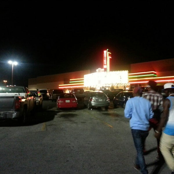 Southside San Antonio Movie Theaters