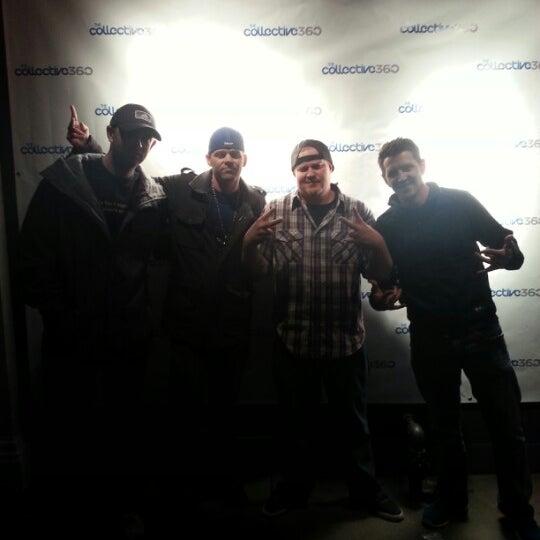 Photo taken at Jet Hotel & Lounge by Ryan Mayor V. on 10/28/2012
