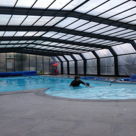 Castle club wezembeek oppem vlaams brabant for Club piscine lasalle