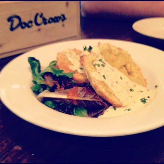 Photo taken at Doc Crow's Southern Smokehouse & Raw Bar by Katie on 4/30/2012