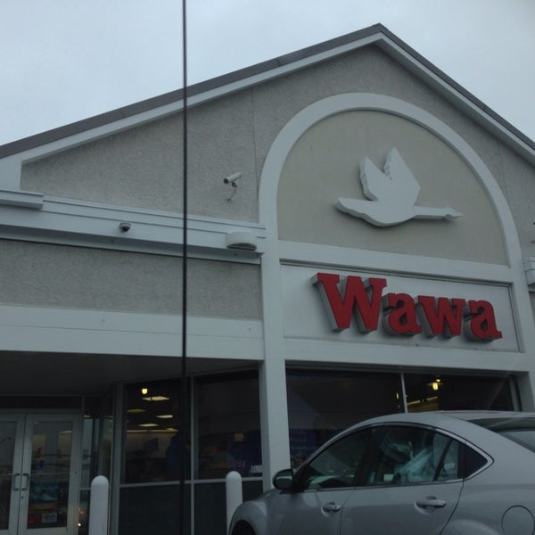 Photo taken at Wawa by Selena B. on 10/11/2013