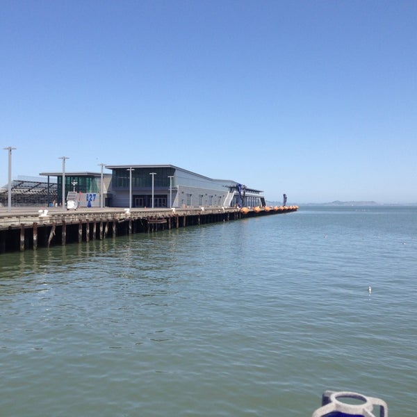 Photo taken at Pier 23 Cafe by Sarah N. on 4/21/2013