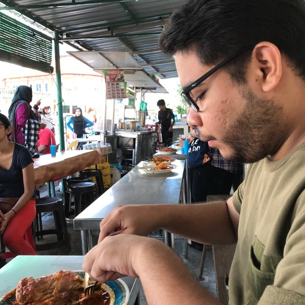 Photo taken at Roti Canai Transfer Rd. by Athirah Z. on 1/6/2018