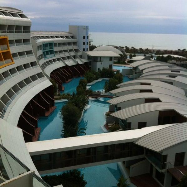3/8/2013 tarihinde Bülent K.ziyaretçi tarafından Cornelia Diamond Golf Resort & Spa'de çekilen fotoğraf