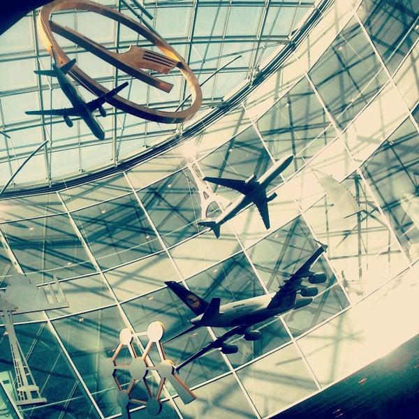 Das Foto wurde bei Frankfurt Airport (FRA) von Анна Б. am 7/19/2013 aufgenommen