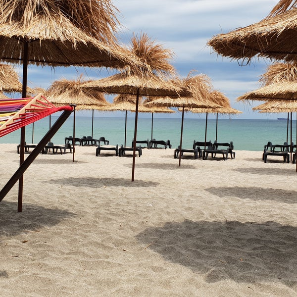 Foto scattata a Централен Плаж Бургас (Burgas Central Beach) da Venci V. il 8/21/2018