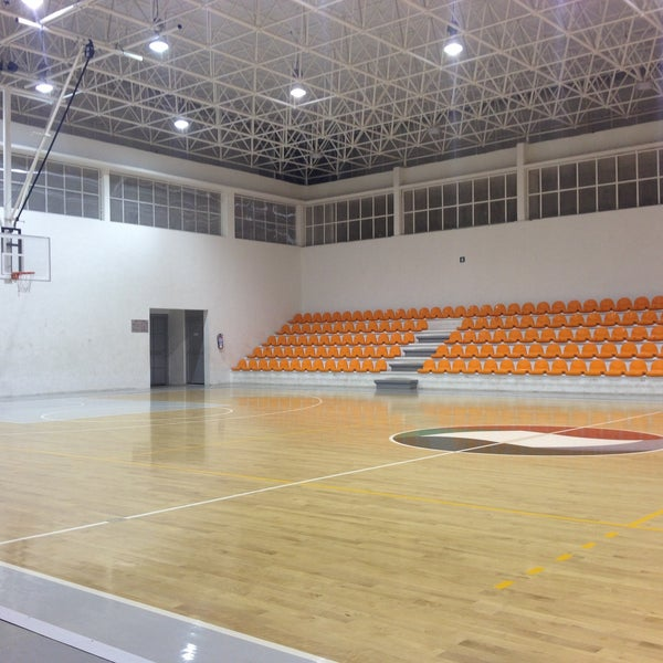 Gimnasio manuel raga basketball court in cd victoria for Gimnasio victoria
