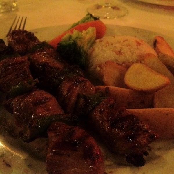 1/19/2013 tarihinde Ken K.ziyaretçi tarafından Cozy Bar&Restaurant'de çekilen fotoğraf
