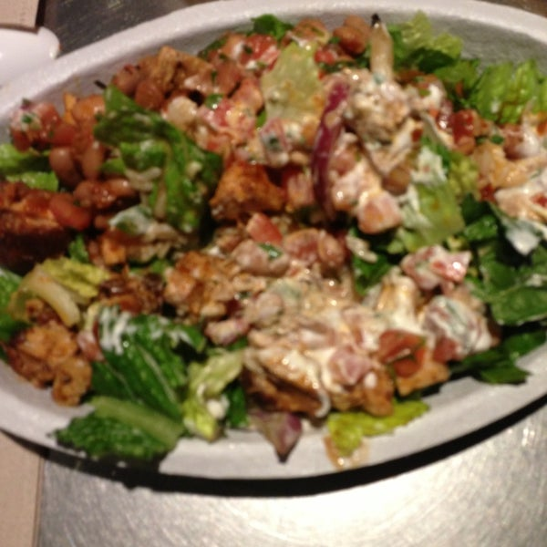 Photo taken at Chipotle Mexican Grill by Tamara R. on 1/16/2013