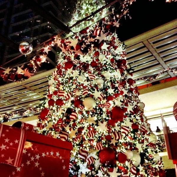 Foto tomada en Antara Fashion Hall por Paola N. el 12/23/2012