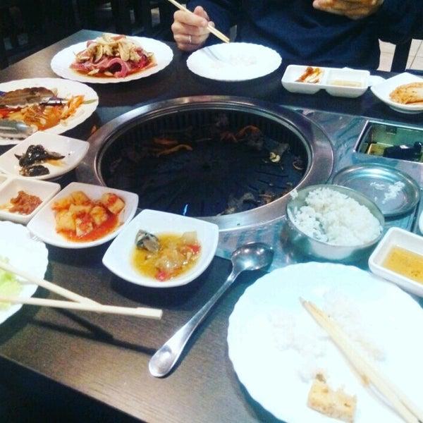 Foto tomada en Korean BBQ гриль por Masha S. el 10/10/2016