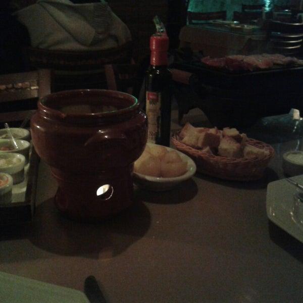 Foto tirada no(a) Restaurante Mont Vert por Juliana T. em 6/26/2014