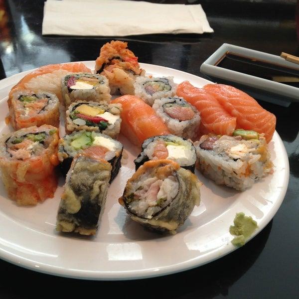 Panda Kitchen Miami: SanTo's Modern American Buffet & Sushi