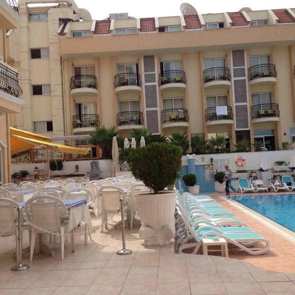Foto scattata a Sinatra Hotel da Настя Ф. il 7/26/2014