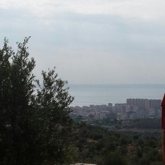 Photo taken at Cennet Koyağı Kahvaltı Evi by Ayşe G. on 9/23/2014