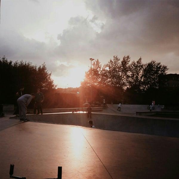 Das Foto wurde bei Скейт-парк «Садовники» von Anastasia N. am 7/16/2015 aufgenommen