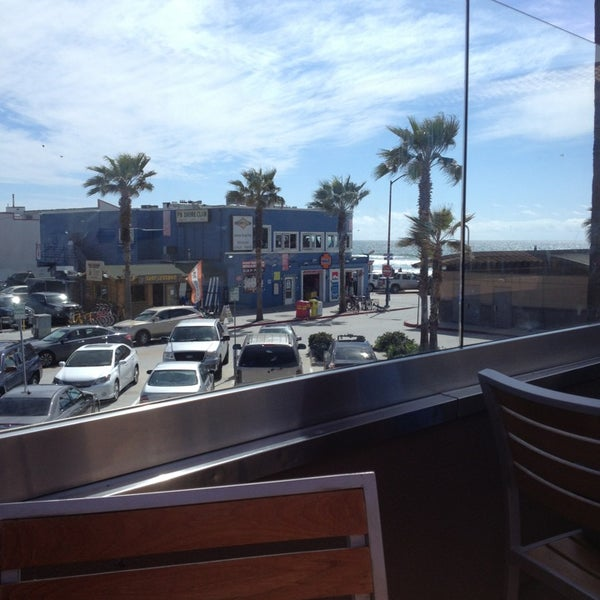 Photo taken at Firehouse Pacific Beach by Crystalyn on 4/1/2013