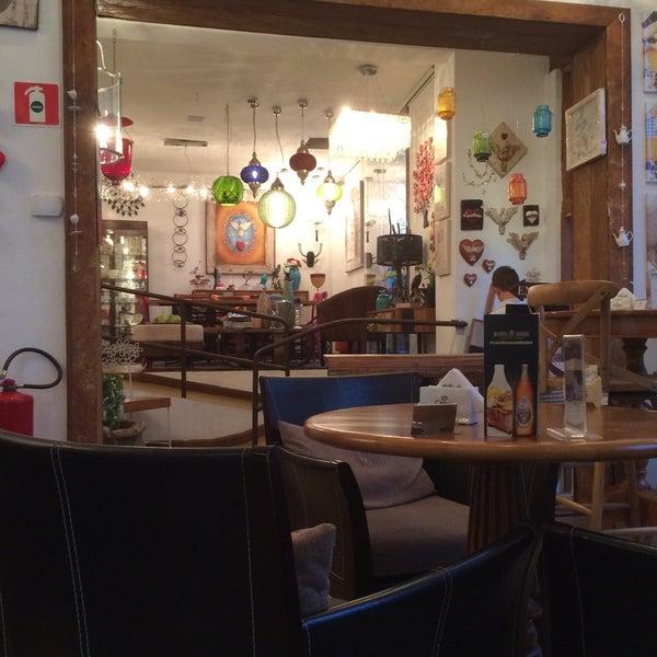 Foto tirada no(a) Florbela Café por Fabiano G. em 9/5/2015