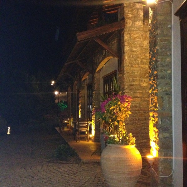 Foto scattata a Loca Hotel da İK il 8/22/2013