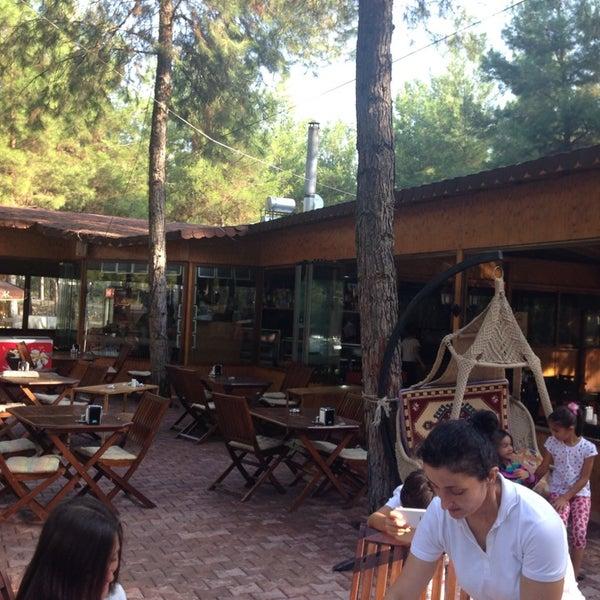 8/30/2014 tarihinde Ali O.ziyaretçi tarafından Koçlar Restaurant ve Dinlenme Tesisi'de çekilen fotoğraf