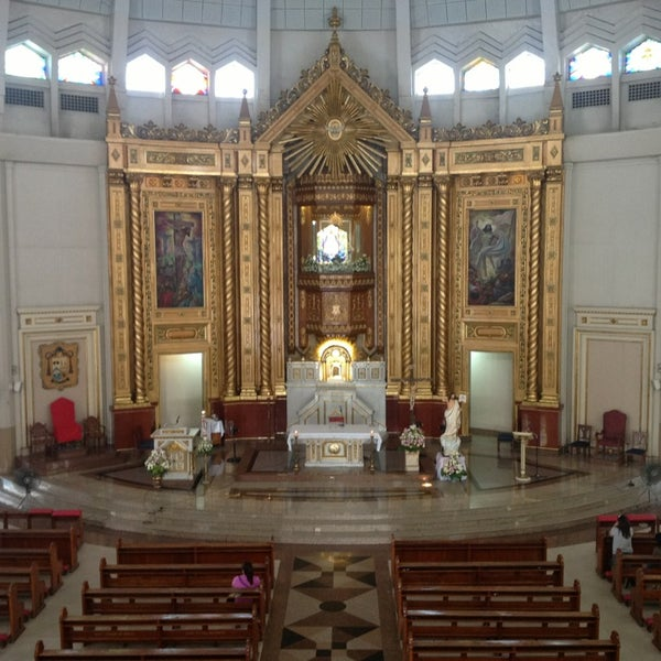Photo taken at National Shrine of Our Lady of Peace and Good Voyage (Antipolo Cathedral) by 'CHi Y. on 4/12/2013