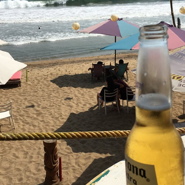Where's Good? Holiday and vacation recommendations for Manzanillo, Mexico. What's good to see, when's good to go and how's best to get there.