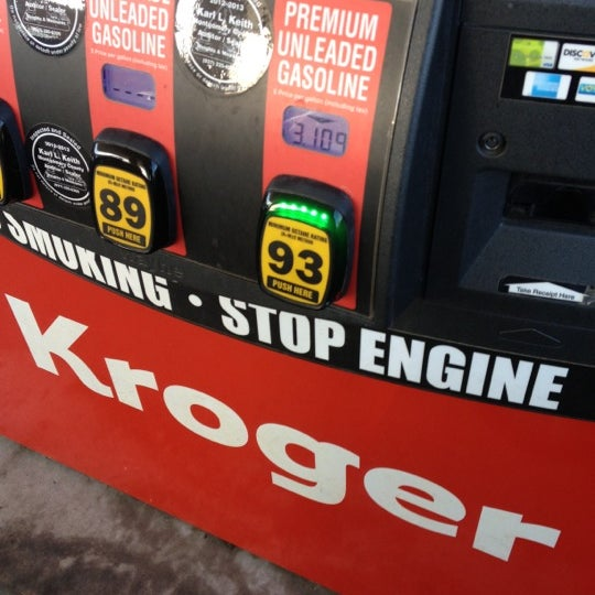 Photo taken at Kroger Fuel Center by Aaron G. on 12/14/2012