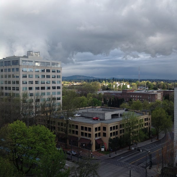 Photo taken at DoubleTree by Hilton Hotel Portland by Stephen S. on 4/15/2013