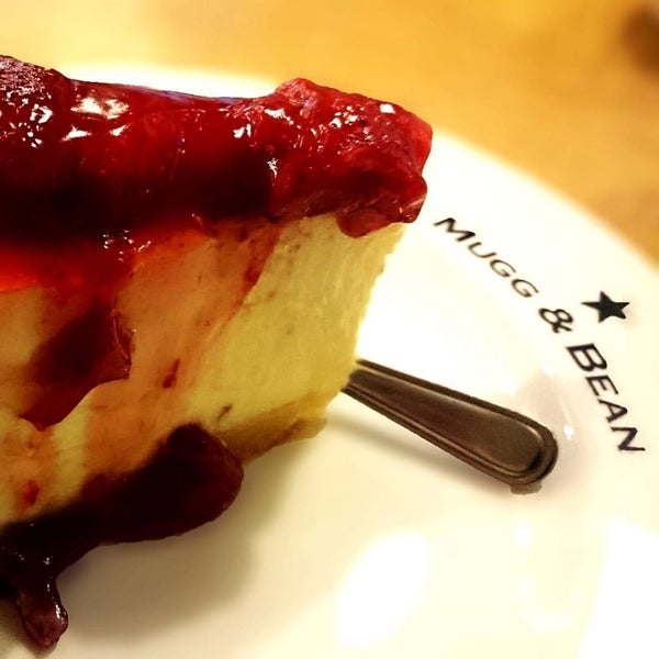 Photo taken at Mugg & Bean by Andre B. on 10/1/2015