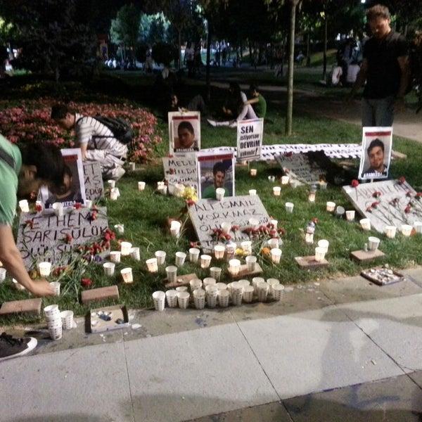 7/10/2013に.OzAn. 《.がTaksim Gezi Parkıで撮った写真
