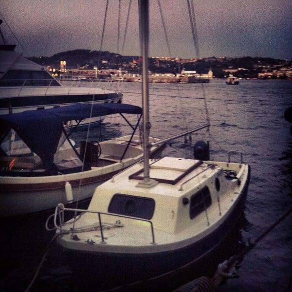 7/22/2013 tarihinde Deniz S.ziyaretçi tarafından Kuruçeşme Kahvesi'de çekilen fotoğraf
