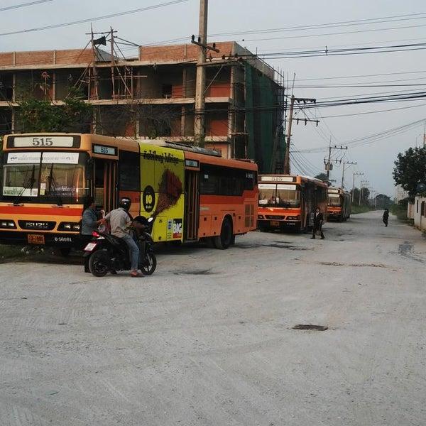 รถร่วมสาย 27 เฉี่ยวชนจักรยานล้อหลังเหยียบคนปั่นดับ