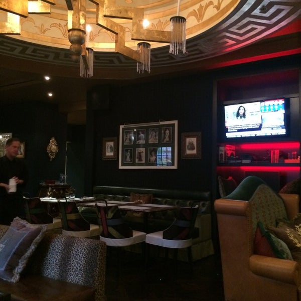 Photo taken at Windsor Arms Hotel by Georgina B. on 11/12/2014