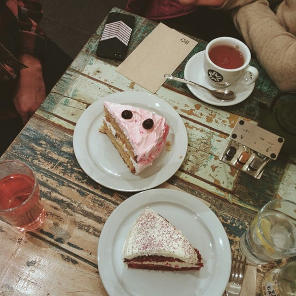 Photo taken at Spice Café by Bárbara L. on 1/18/2015