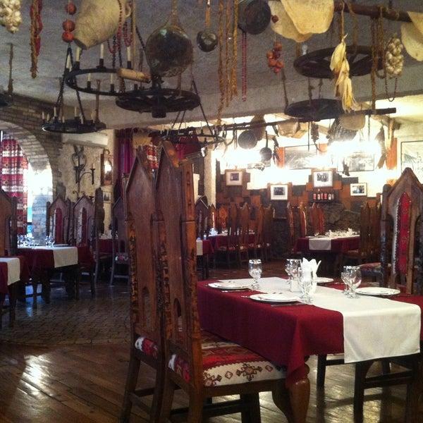 Снимок сделан в Old Erivan Restaurant Complex пользователем Alex K. 4/16/2013