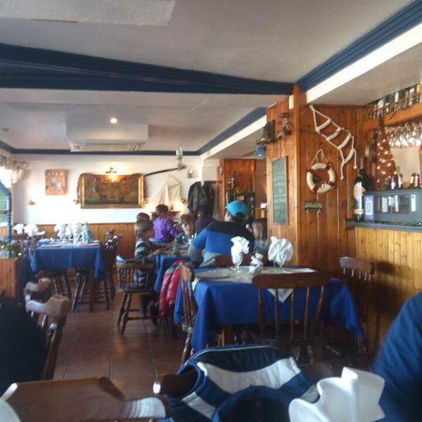 Foto tirada no(a) Restaurante Pizzería La Vela por Juanza . em 12/31/2014