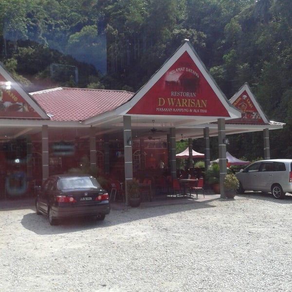 Photo taken at Restoran D'Warisan by Noor Hidayah R. on 11/2/2013