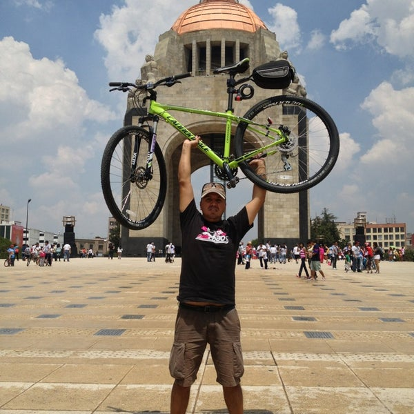 Das Foto wurde bei Mirador Monumento a la Revolución Mexicana von Ralph_8a N. am 7/28/2013 aufgenommen