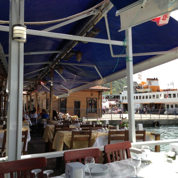 5/23/2013 tarihinde Alper ®ziyaretçi tarafından Çapari Restaurant'de çekilen fotoğraf
