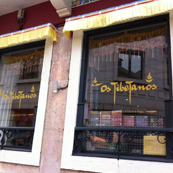 Das Foto wurde bei Os Tibetanos von Hugo G. am 4/11/2013 aufgenommen