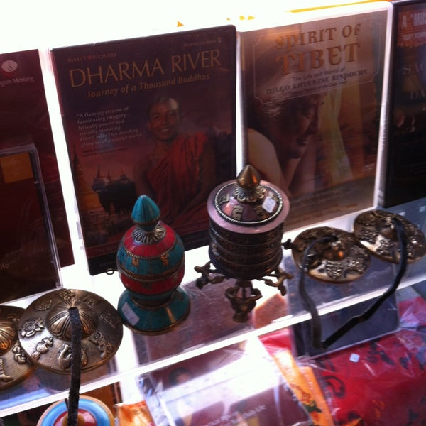 Das Foto wurde bei Os Tibetanos von Hugo G. am 5/28/2013 aufgenommen