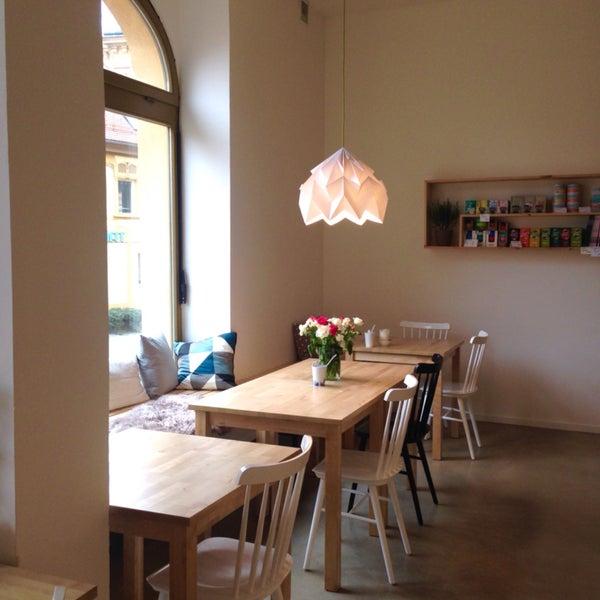 Krásné místo s velkým potenciálem, který snad bude možné naplnit. Moc dobré jídlo, káva z The Barn se jestě určitě vypiluje a celý Liberec má být na co pyšný :)