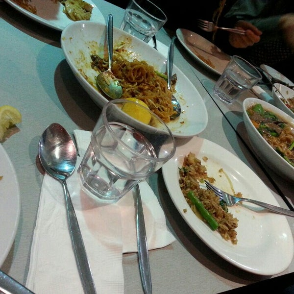 Photo taken at Taste of Thai by Jisung K. on 9/11/2015