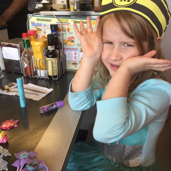 Photo taken at Waffle House by Polly N. on 4/26/2015