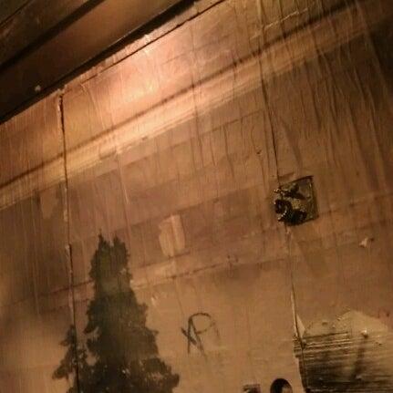 Foto scattata a The Violet Hour da Caleb S. il 10/2/2012