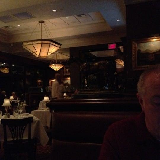2/14/2012 tarihinde Ben H.ziyaretçi tarafından The Capital Grille'de çekilen fotoğraf