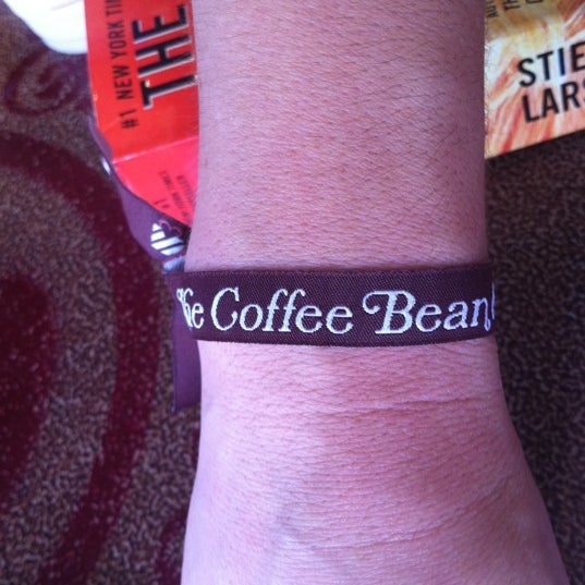 Photo taken at The Coffee Bean & Tea Leaf by Holly R. on 7/29/2011