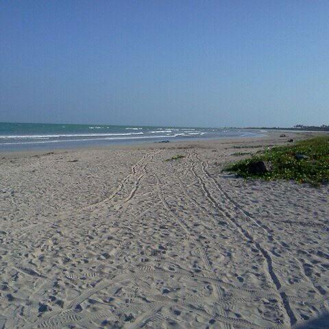 Foto tirada no(a) Praia de Paripueira por Adriana S. em 9/24/2011