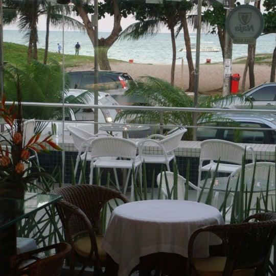 Foto tirada no(a) Atlântico Praia Hotel por Pedro B. em 11/4/2011