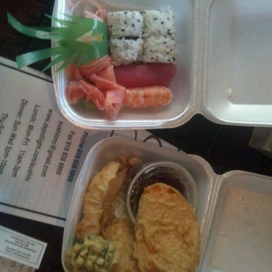 Photo prise au Sushi O Bistro par Jonajah A. le6/29/2012